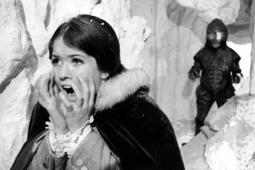 Victoria chased by Turoc (Sonny Caldinez)
