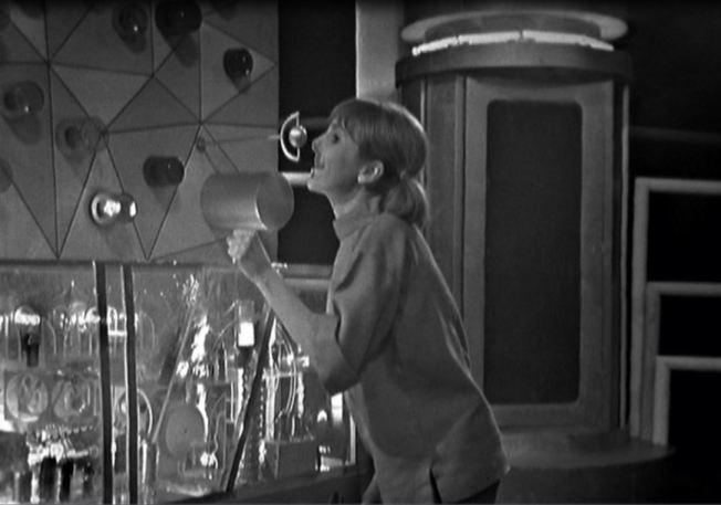 Vicki calls to the TARDIS for help